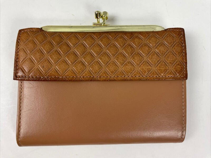 Vtg St Thomas Wallet Brown Cowhide Leather Kiss-Lock Clasp