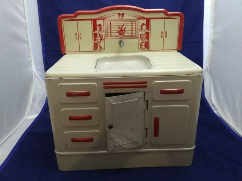 Vintage 1950s white and red  Wolverine Metal Toy Kitchen Sink