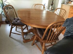 Solid red oak dining table & Chairs