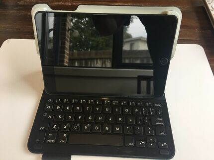 Logitech iPad mini 1/2/3 Bluetooth Keyboard Case