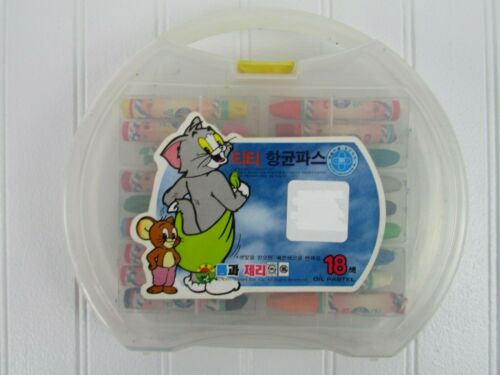 Vintage Tom And Jerry Oil Pastel Crayons In Plastic Case 1995