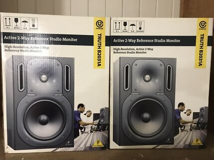 Behringer TRUTH B2031A Speakers