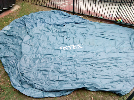 Near new Intex soft round pool cover