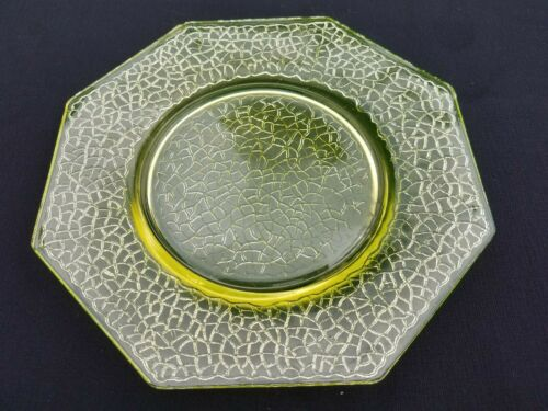 L E Smith Depression Glass Canary or Vaseline By Cracky Plate