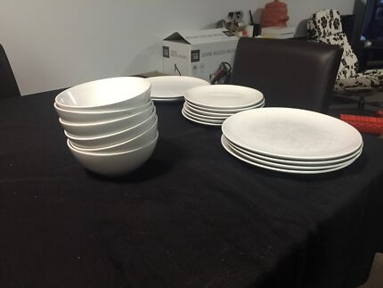 Free plates and bowls