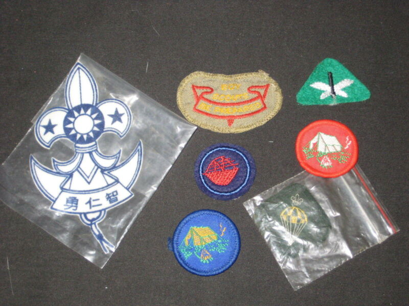 7 International Boy Scout Insignia Patches              fx