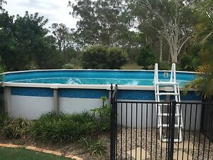 Salt water Above ground pool Chambers Flat Logan Area Preview