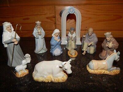 Hallmark Signature Miniature Nativity Set 11 Piece
