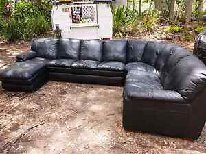 6 seater leather couch with chase Eumundi Noosa Area Preview