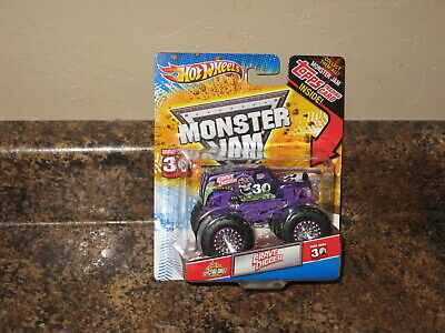 2011 Hot Wheels Monster Jam 1:64 Grave Digger Purple 30th Spectraflames Topps