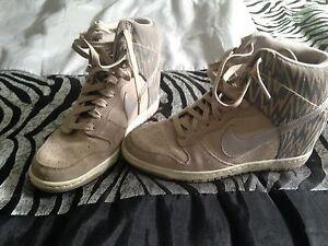like new Nikes 9-81/2
