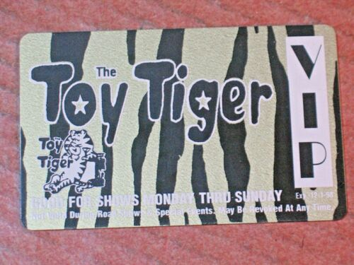 """Vintage  VIP """"The Toy Tiger"""" Night Club Louisville,Ky Plastic size of credit car"""