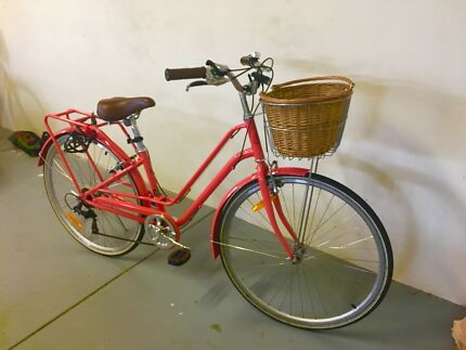 CUTE VINTAGE STYLE WOMENS BICYCLE