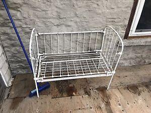 Baby crib /bassinet / garden bench