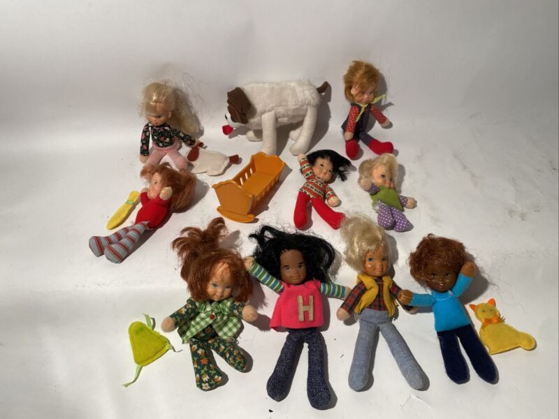 9 Vintage Honey Hill Bunch Dolls & 1 Dog.  Used/played With Condition