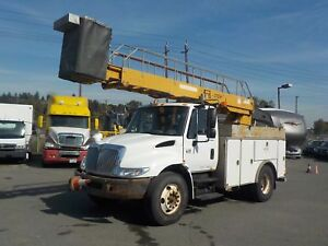 2002 International 4300 Bucket Truck Diesel with Generator and A
