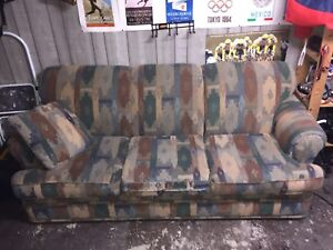 CLASSIC COUCH (FREE)