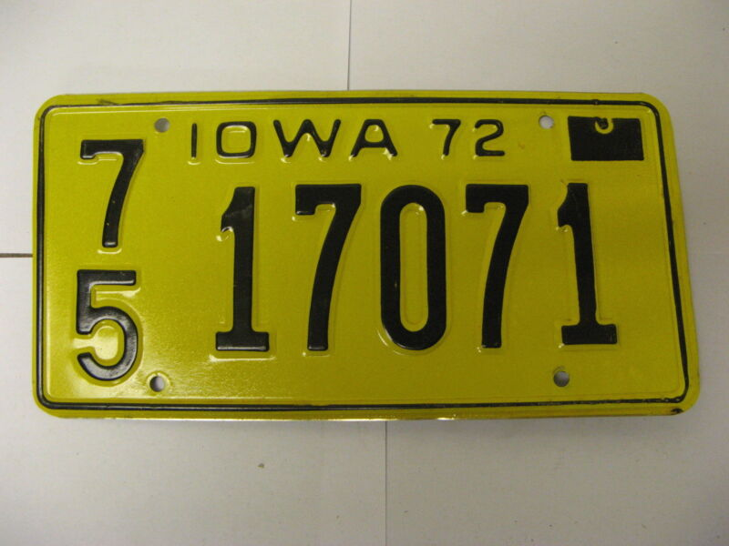 1972 72 Iowa IA License Plate 7517071