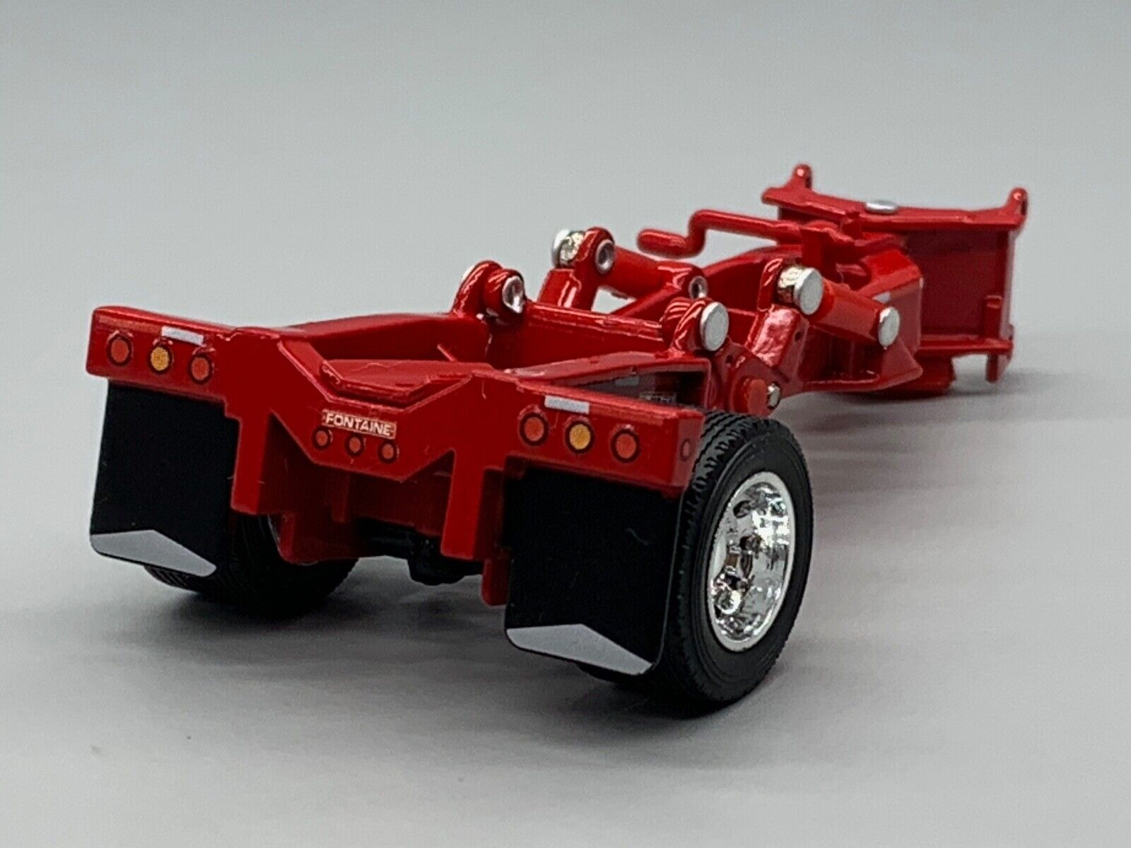 1/64 DCP RED FONTAINE MAGNITUDE LOWBOY STINGER
