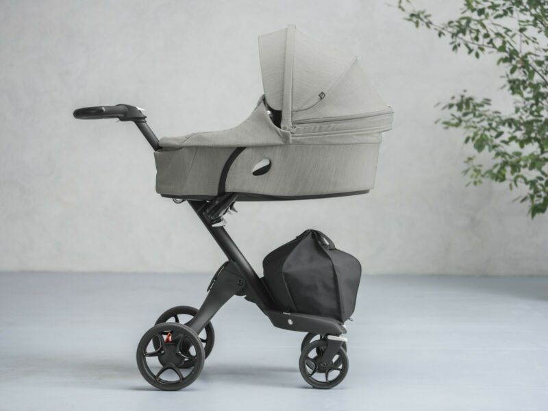 Stokke xplory carry cot NEW in grey