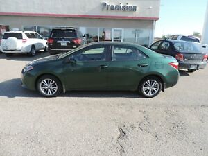 2015 Toyota Corolla LE Local One Owner, Bluetooth, Backup Cam...