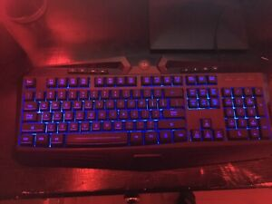 *** LIKE NEW *** Red Dragon s101 keyboard and mouse