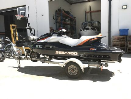 Seadoo GTI 130 & 8 person pontoon.