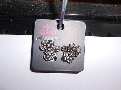 Crystal Dark Grey Pearl - Paparazzi Clip-On Earrings (new) FLOWER W/LEAF & DARK GREY