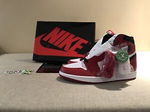 DS Jordan 1 Chicago 2015 Size 9 8b94193ce