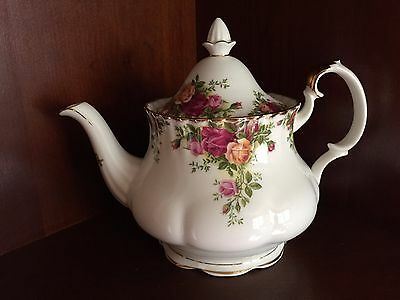 ROYAL ALBERT OLD COUNTRY ROSES BONE CHINA LARGE TEA POT -UNUSED ENGLAND
