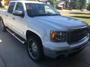GMC Sierra 1500 SLE MINT CONDITION!!