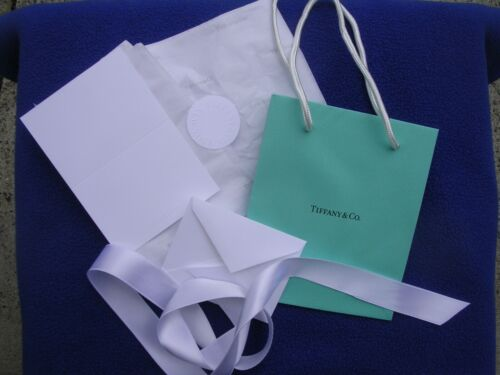 Tiffany Small Shopping Bag With Gift Card And Envelope Ribbon Tissue