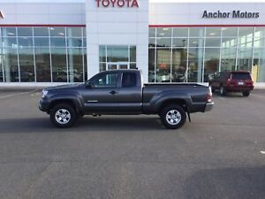 2015 Toyota Tacoma AUTO; AIR; ALLOYS; BLUETOOTH; BU CAMERA; T...