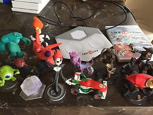 Disney Infinity Wii Game and Figures