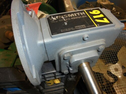 WINSMITH 917MDN RIGHT ANGLE GEAR REDUCER 10:1 RATIO Worm Drive 1.25 hp input