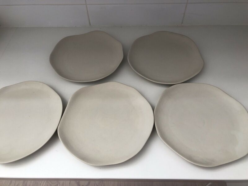 5 Vance Kitira Pottery Contour Dinner Plates