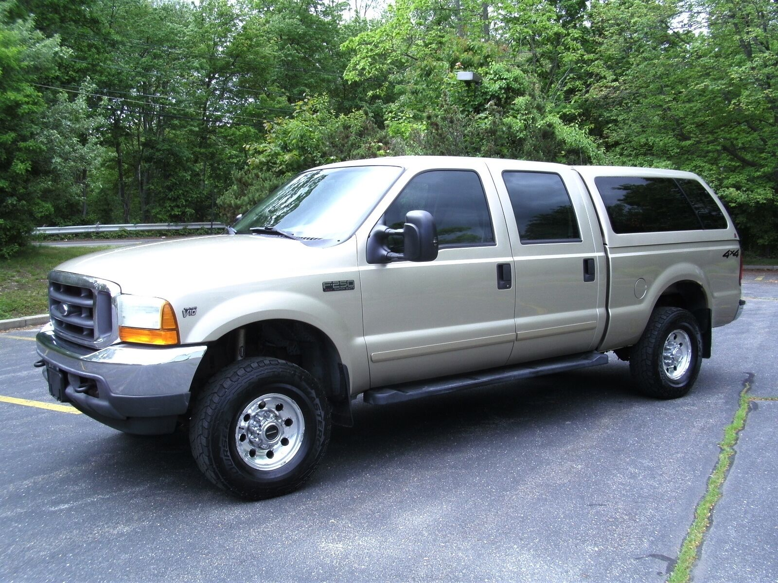 2001 ford f250 xlt 4x4 crew cab short bed v10 low miles drives well no reserve used ford f. Black Bedroom Furniture Sets. Home Design Ideas