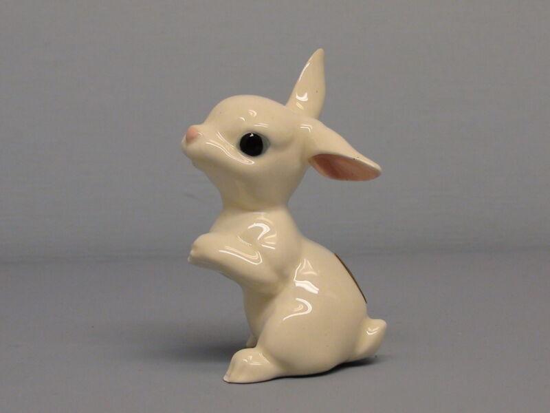 Retired Hagen Renaker DW Glossy White Bunny Rabbit Facing Left