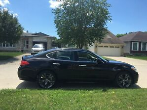 2013 Infiniti M37 AWD with sport&tech package / Q70