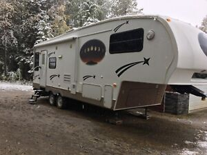 Beautiful 25 ft camper ready to go