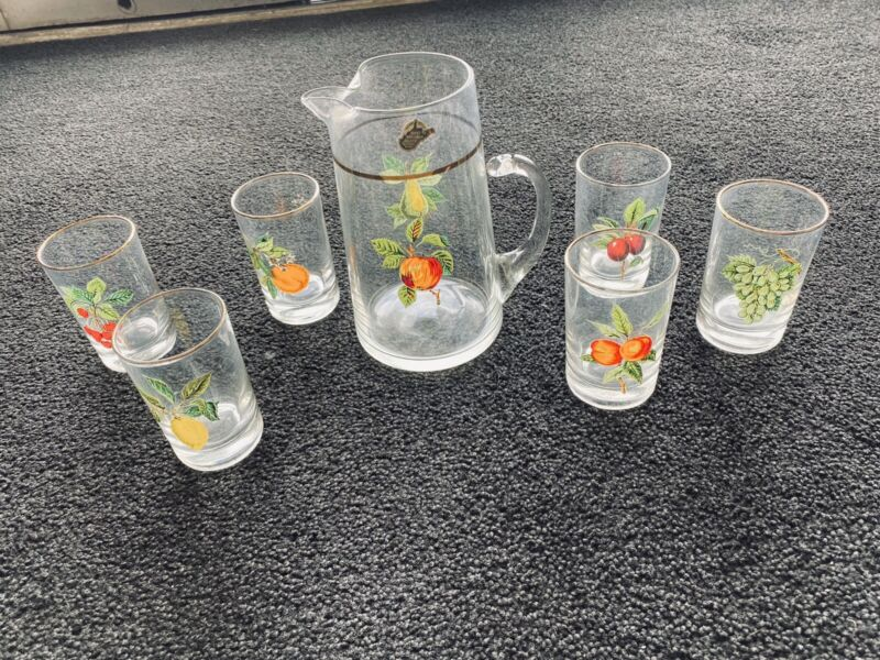 VINTAGE WEST VIRGINIA GLASS JUICE PITCHER WITH SIX MATCHING GLASSES
