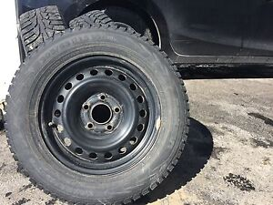 4 pneus hiver Nokian avec jantes ayant servi pour Mazda