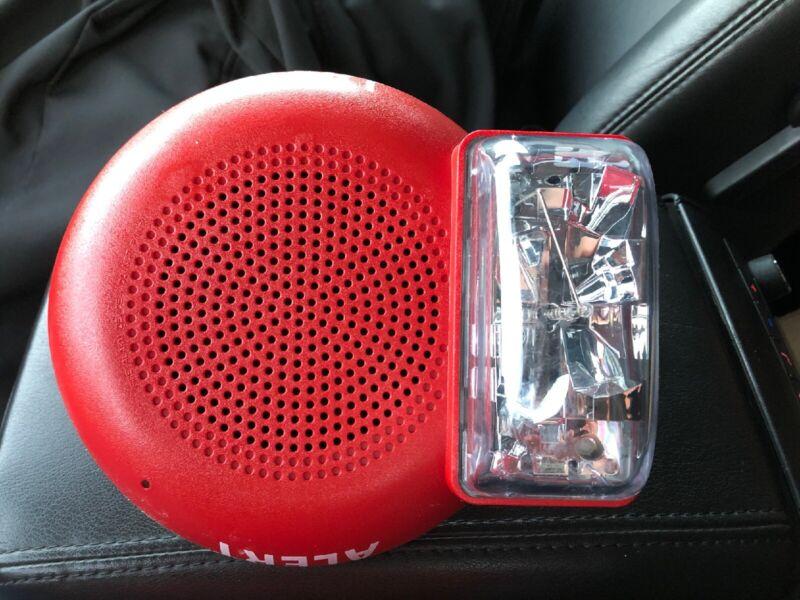 Ceiling Mount Addressable Speaker Visible (S/V) Notification Appliance
