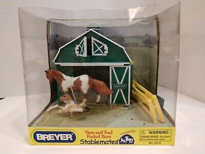Breyer Stablemates Mare and Foal Pocket Barn #5918- New and factory sealed