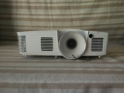 Acer H6517ABD Full HD Home Cinema Projector DLP 1080p 3200 lm  Only 13 Lamp Hrs