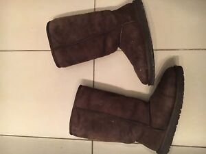 Uggs boots / bottes