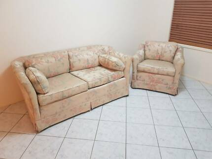 Van Treight - Sofa Lounge Chairs/Lounge Suite - Antique