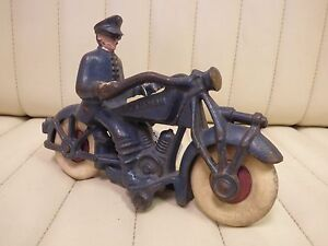 1930-36-CHAMPION-CM-3-Blue-Cast-Iron-Toy-Motorcycle-Police-Bike-w-Rubber-Tires
