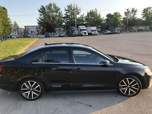 2012 Volkswagen GLI manual, autobahn package, sunroof, like new!