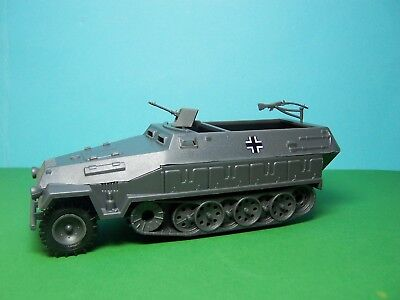Airfix compatible 1/32 scale German Hanomag Halftrack (grey)